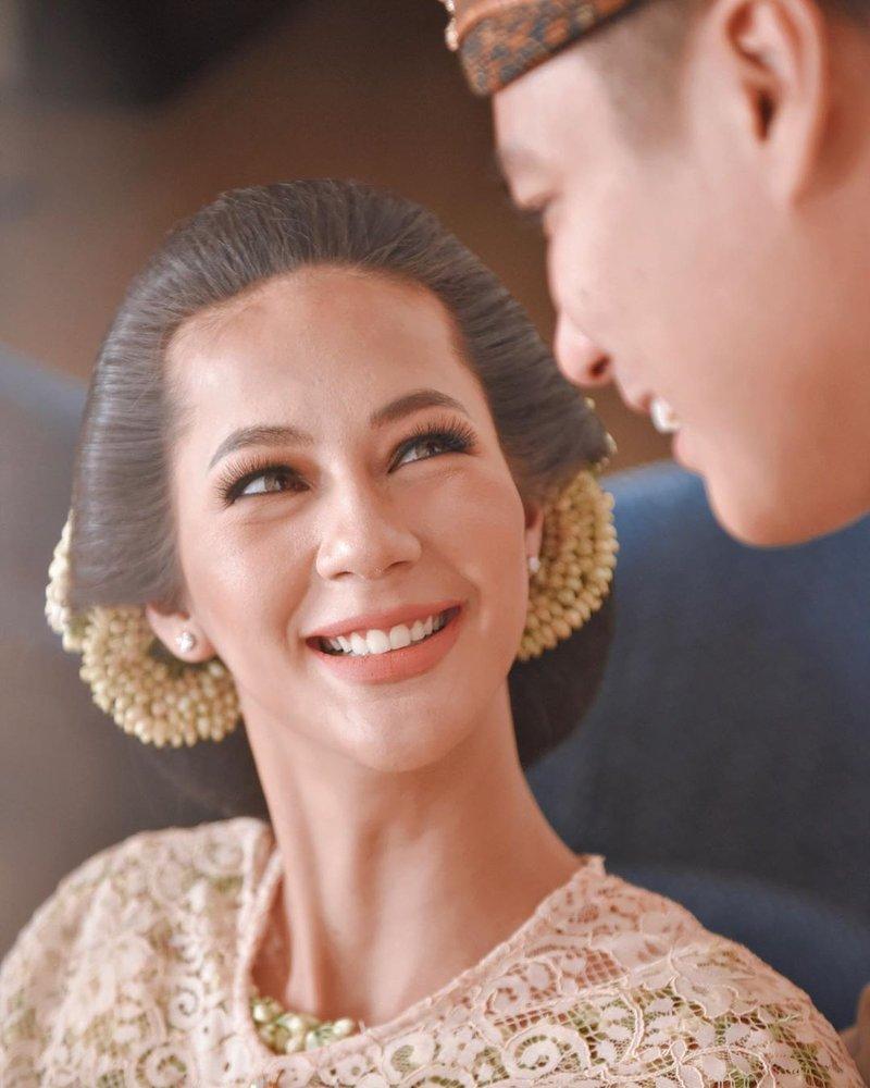 Paula Verhoeven baim wong