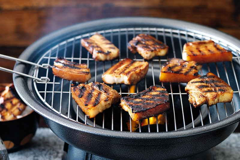 barbecued soy marinated pork 83998 1