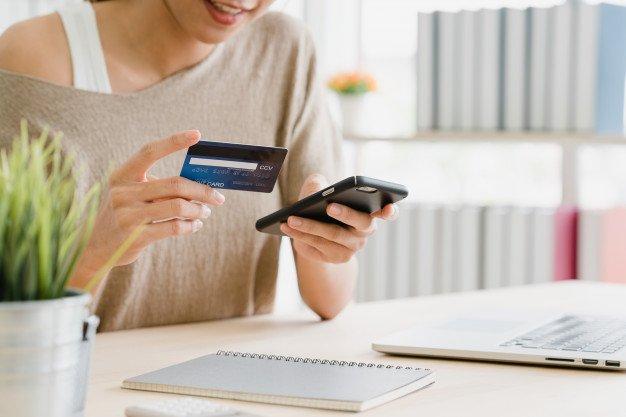Kartu kredit dapat membuat seseorang kehilangan kontrol