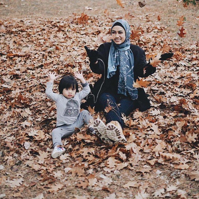 bebaskan anak bermain dengan alam