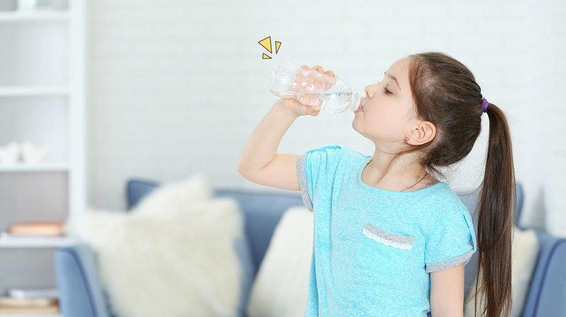 berapa gelas air mineral untuk anak anak perhari bagaimana membuat anak suka minum hero