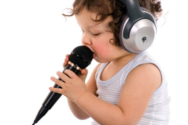 bernyanyi