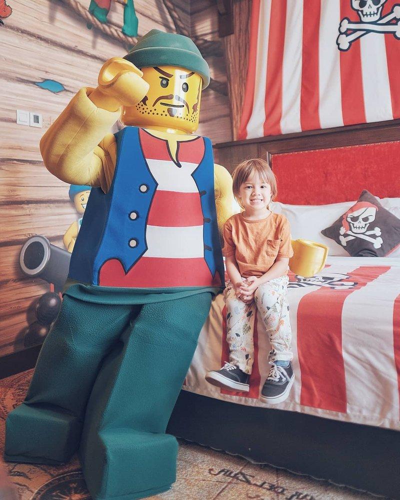 Bjorka Liburan di Legoland Malaysia, Super Seru!