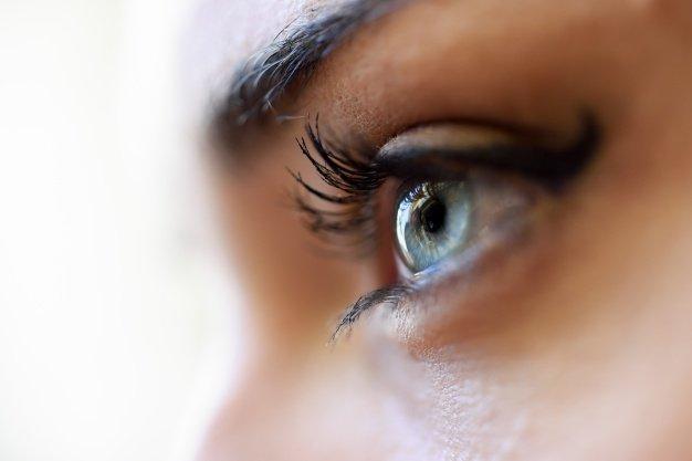 blue-eye-close_1139-517.jpg