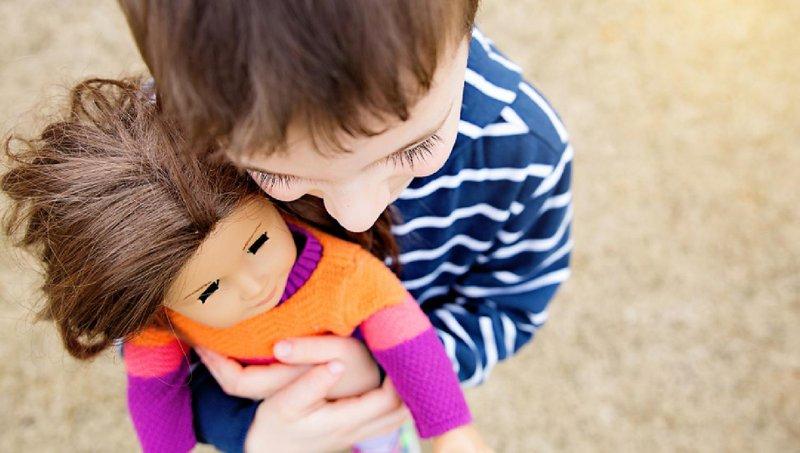 bolehkah anak laki laki bermain boneka 2