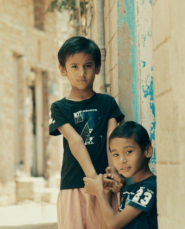 boys-brothers-children-2610988.jpg