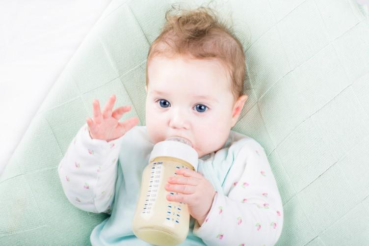 breastfeeding poll 3 752x501