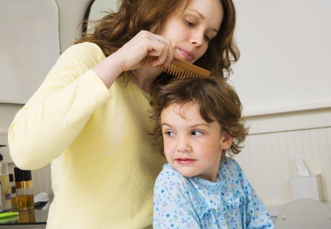 brush-hair-mom-GettyImages-76763896-650x450.jpg