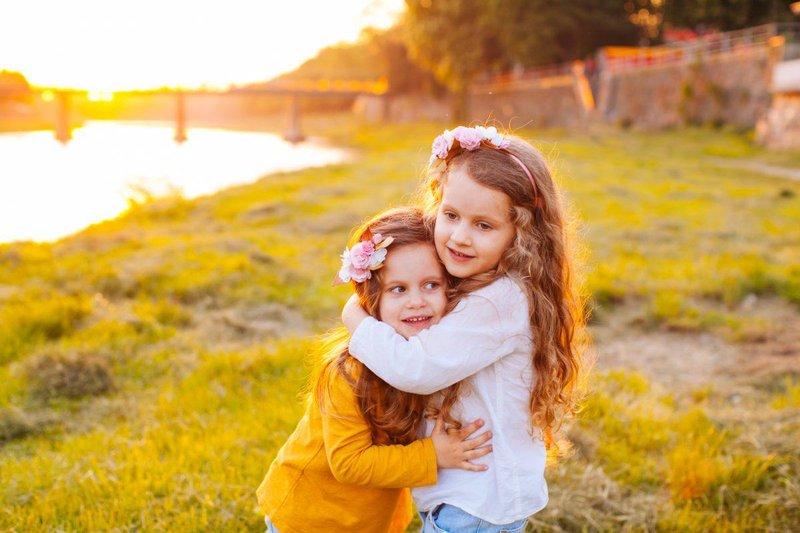 buat anak menjadi mandiri dengan 5 tips merawat rambut sendiri 2