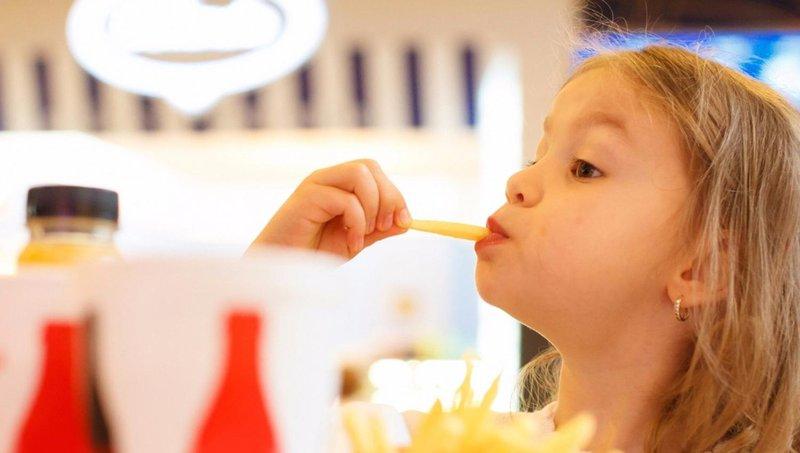 bukan cuma puber, 5 hal ini juga dapat menyebabkan jerawat pada anak 1