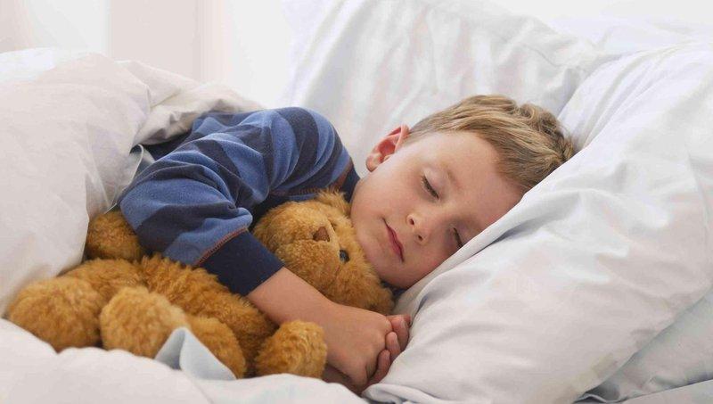 bukan cuma puber, 5 hal ini juga dapat menyebabkan jerawat pada anak 4