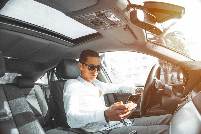 car car interior cellphone 804128