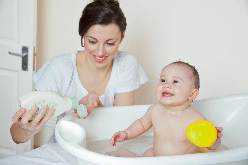 cara keramas untuk bayi-3.jpg