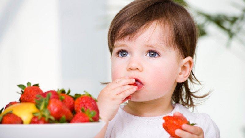 cara mengatasi bibir kering pada anak 2.jpg