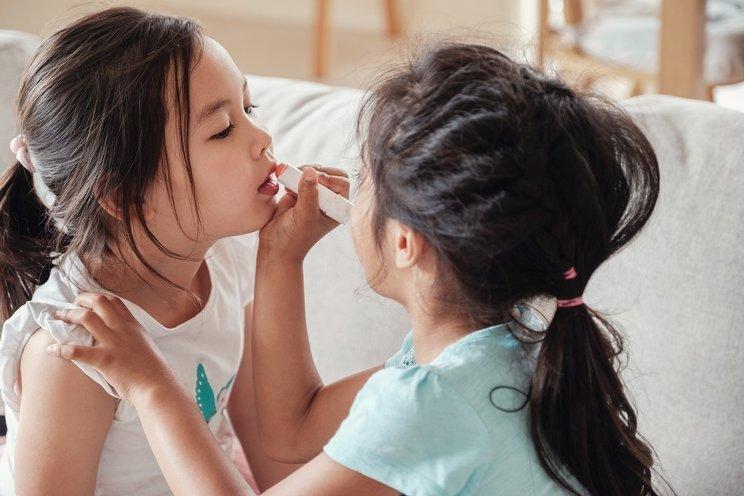 cara mengatasi bibir kering pada anak 3.jpg
