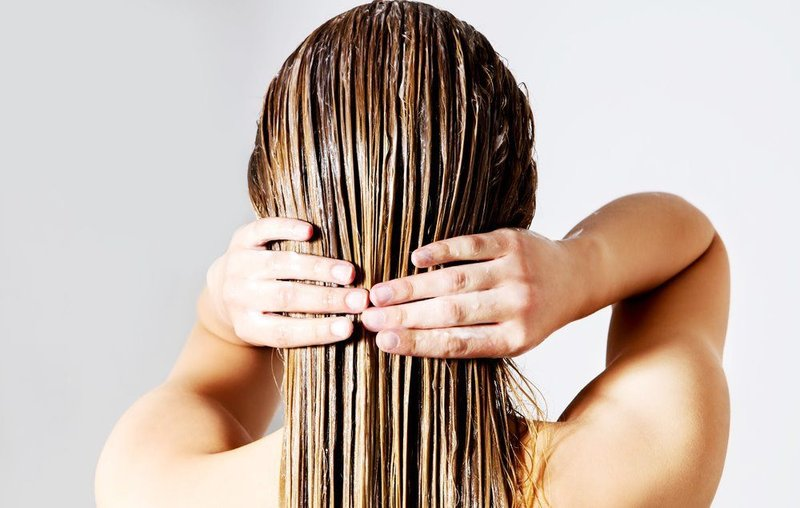 cara merawat rambut kering.jpg