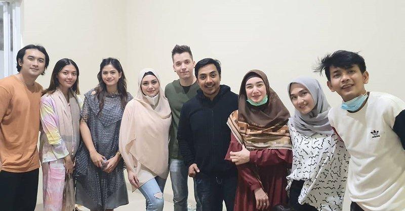 celine hijab 2.jpg