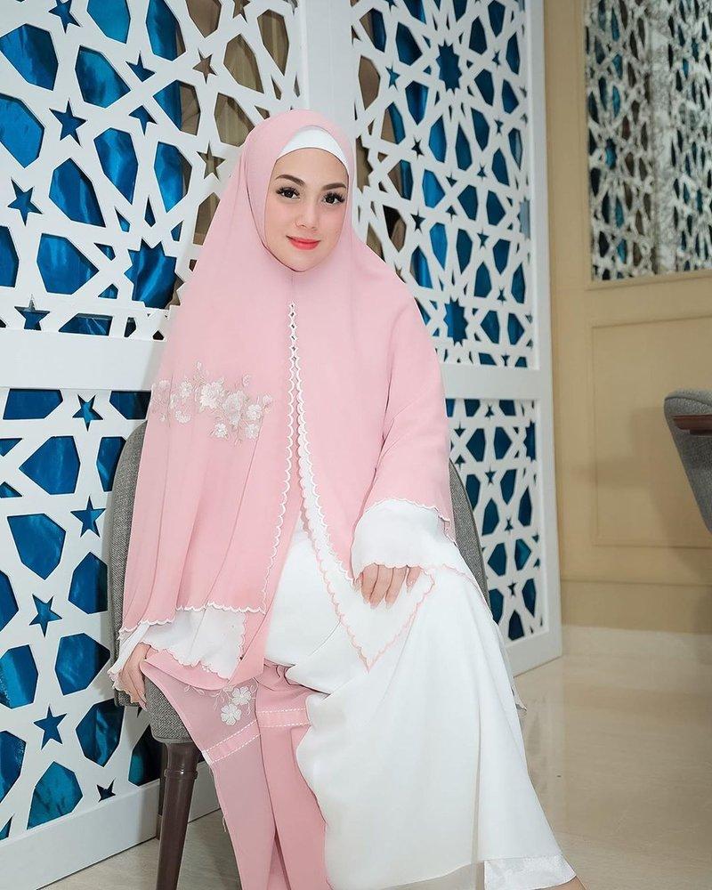 celine hijab 3.jpg