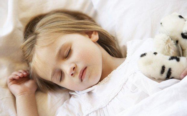 child-sleep-alone-620x384.jpg
