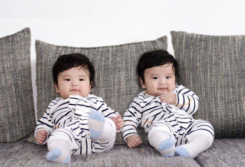 tidak pilih kasih pada anak kembar