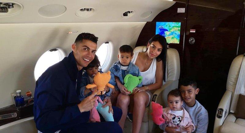 keharmonisan keluarga christiano ronaldo