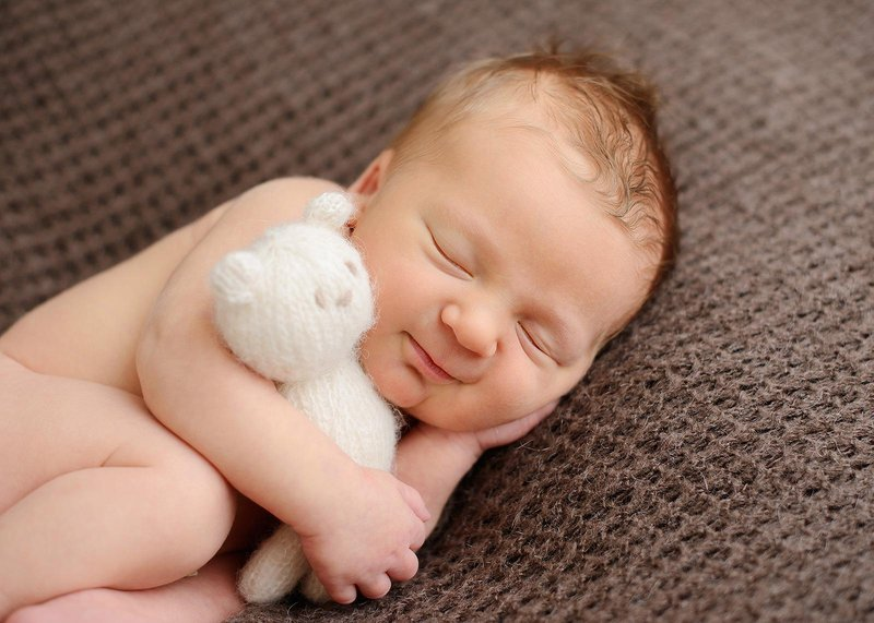 cuddly newborn session 4