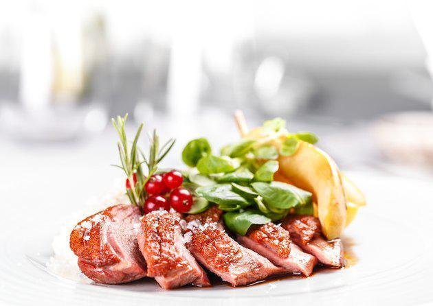 daging ayam vs daging bebek, mana yang lebih sehat 1