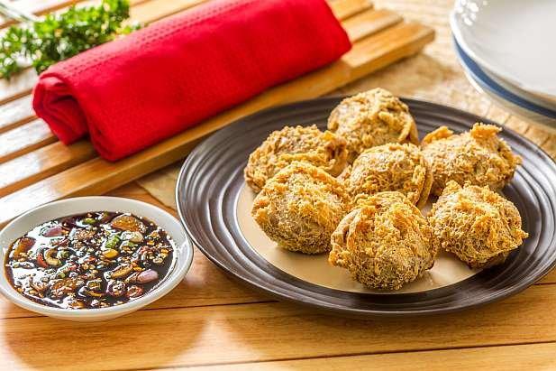 Resep tahu walik ayam dapat menjadi variasi hidangan lauk atau cemilan