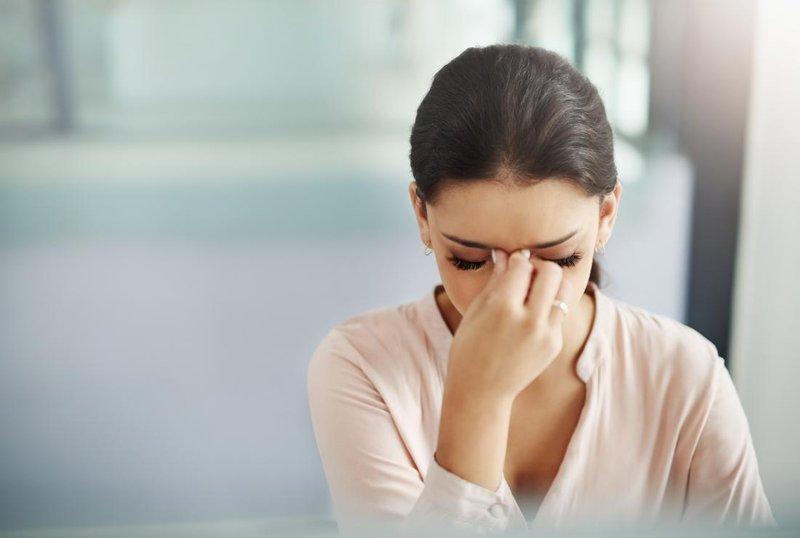 badan terasa ringan dan sakit kepala, tekanan darah rendah