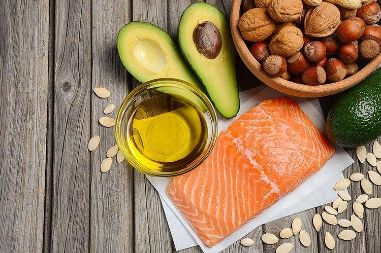 diet wanita 40 tahun - lemak sehat.jpg