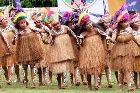 pakaian suku asmat