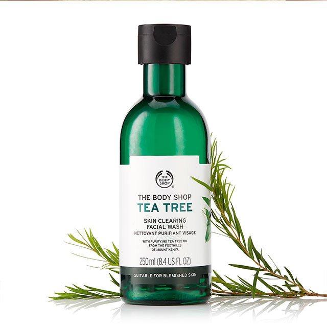 Tea Tree Skin Clearing Facial Wash dari The Body Shop