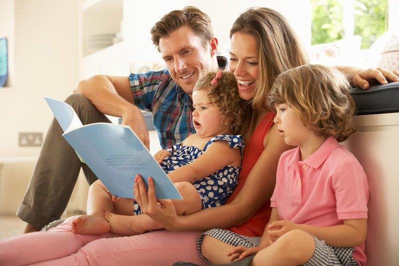 family reading1