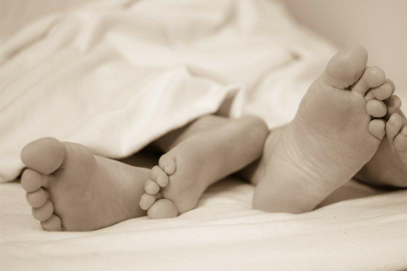 5 Mitos Berhubungan Intim Agar Cepat Hamil, Moms Masih Percaya? 2