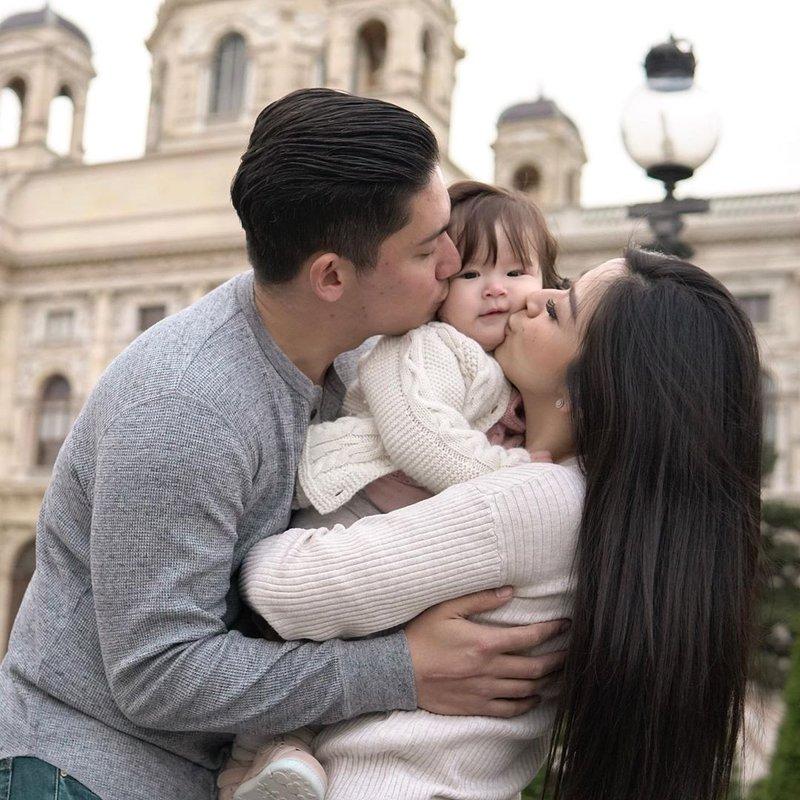 4 Keluarga Artis Liburan ke Eropa