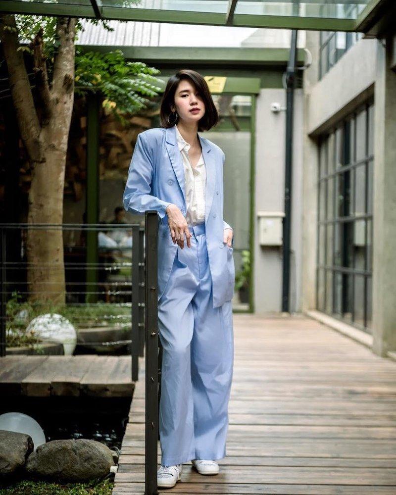 gaya kasual yang formal dan elegan