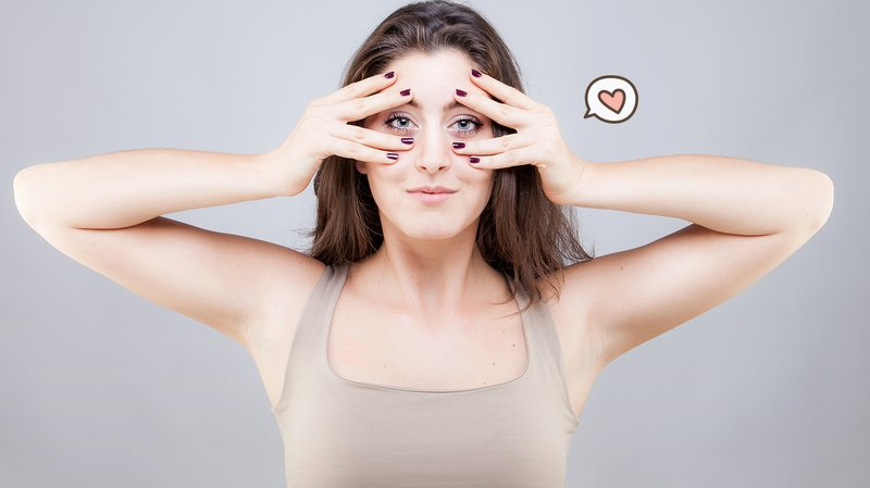 4 Gerakan Yoga Wajah untuk Kurangi Keriput dan Kencangkan Kulit