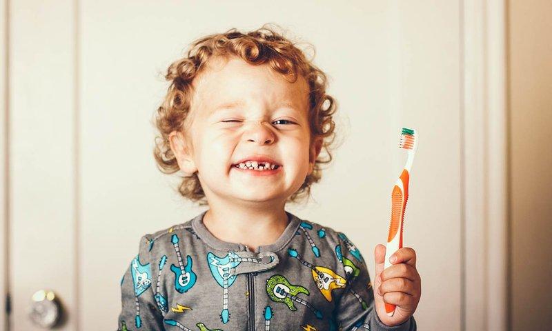 gigi berlubang karena mengedot (1).jpg