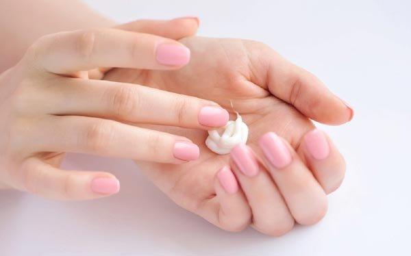 mencegah tangan kering