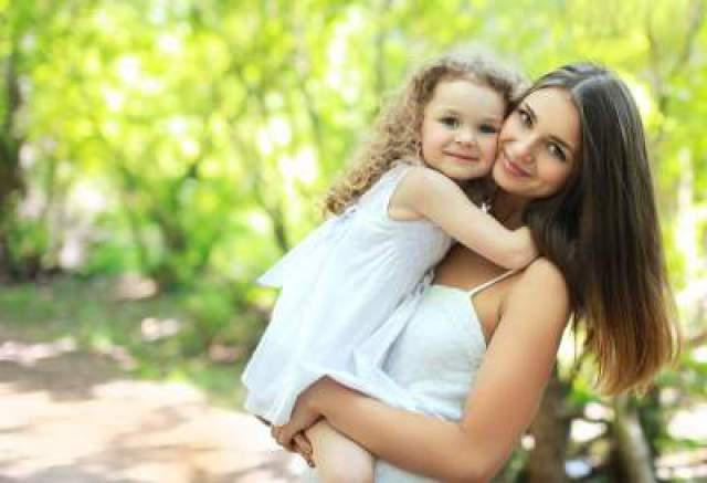 happy mom with daughter1