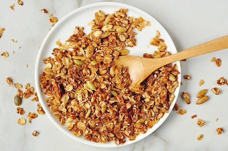 healthy energy boosting granola recipe3 750x498