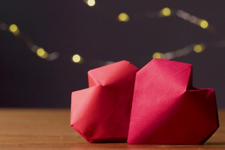 Membuat origami love tiga dimensi