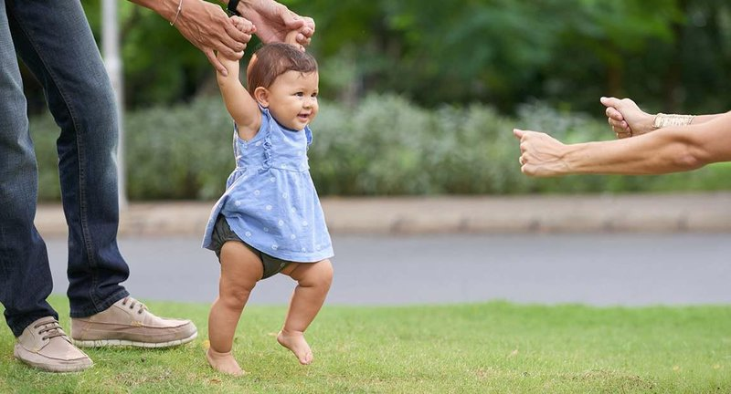 helping your baby learn to walk form