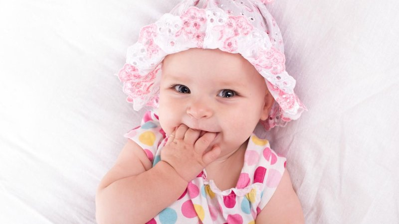 hero bayi perempuan nama batu permata