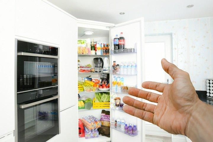 Pengontrol suhu kulkas