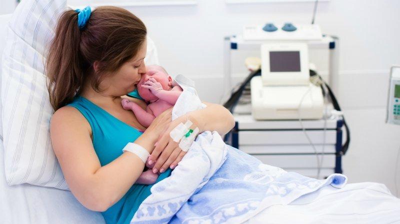 ibu melahirkan di RSU Dr Soetomo positif COVID-19.jpg