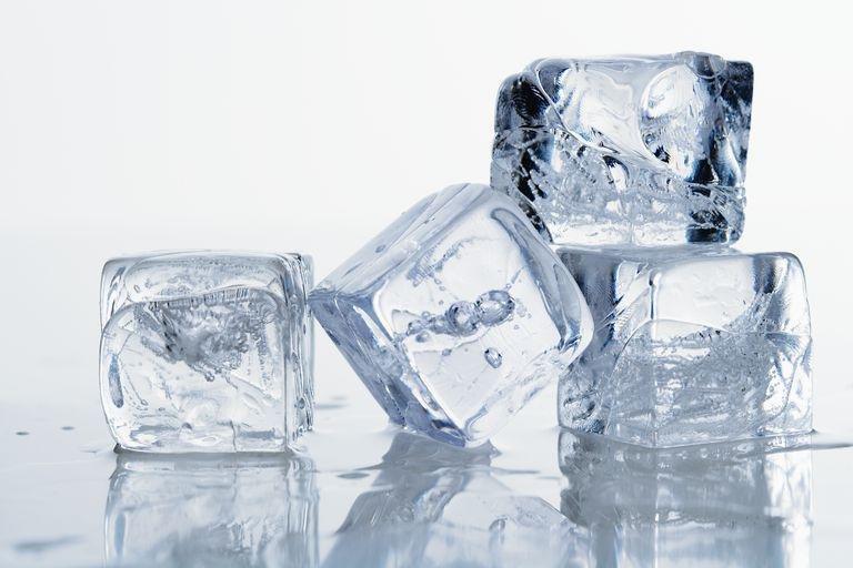 ice cubes 95467380 586bd3323df78ce2c3c9485c