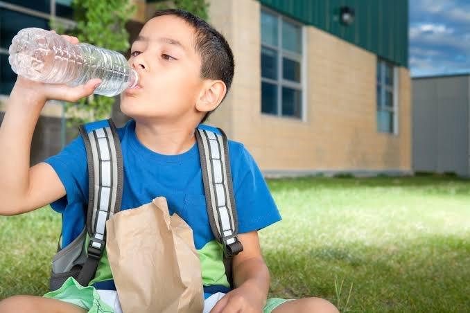 anak, flu, minum air, hidrasi