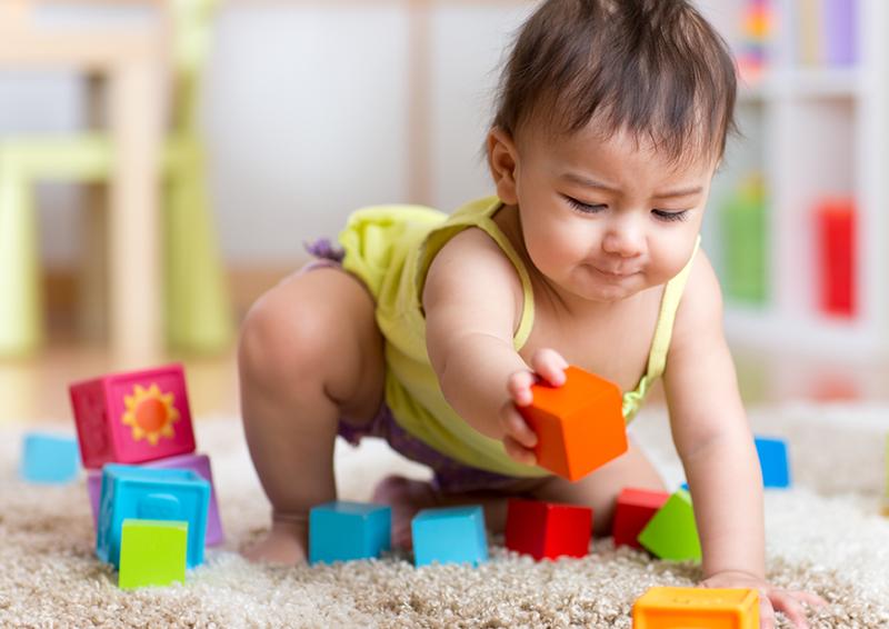 infant block development milestone