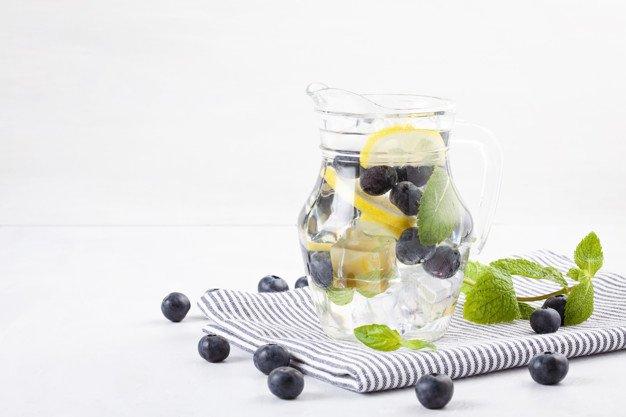 infused water blueberry untuk diet.jpg